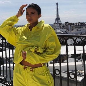 Kylie Jenner Yellow Outfit Louis Vuitton SS19 Men's Fashion Show in Paris