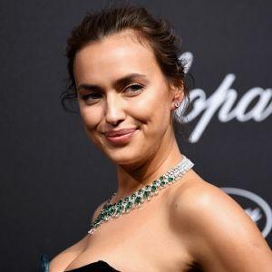 Irina Shayk Green Velvet Gown Cannes 2018 Chopard Secret Night