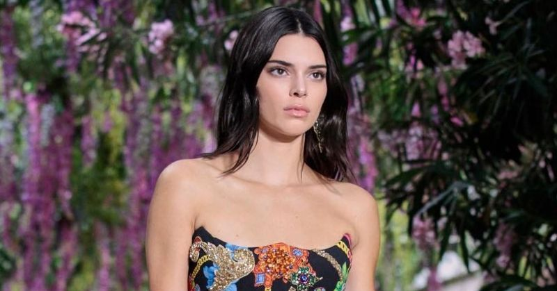Kendall Jenner Dress Versace's Spring Summer 2019 in Milan Men's Fashion Week
